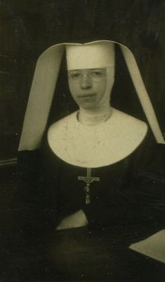 Sisters of Saint Mary (Oregon) Sister Sister, Sister Love, Catholic Orders, Daughters Of Charity, Nuns Habits, St Faustina, Corporate Women, Help The Poor, Bride Of Christ