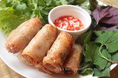 Pâtés impériaux ou nems frits. Une recette simple à la mode du sud du Vietnam. . La recette par La Kitchenette de Miss Tâm.