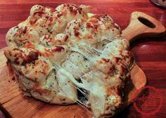 pull apart cheesy garlic knots | comfortable food