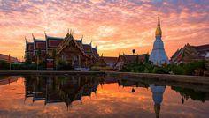 Wat Pratat Choeng Chum um templo lindíssimo dentro da província de Sakon Nakhon. Uma verdadeira obra de arte! #calçathai #tailândia #culturatailandesa #arquitetura #templo #budismo #fotografia