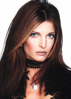 Stephanie Seymour rockin' the face framing highlights, brown lipstick on over-lined lips, contoured cheeks, nude eyes and pencil-thin brows. AND, wearing the quintessential bling: a black choker. Stephanie Seymour, Lauren Ambrose, Sienna Guillory, Lara Pulver, Amanda Righetti, Elizabeth Moss, Jessica Lowndes, Rachel Nichols, Carla Gugino
