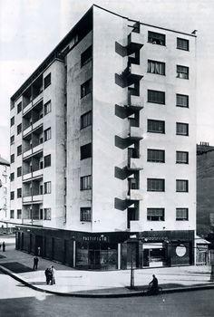Casa Ghiringhelli à Milan par Giuseppe Terragni Fascist Architecture, Movement In Architecture, Modern Architecture Design, Facade Architecture, Amazing Architecture, Bauhaus, Art Deco, Amsterdam, Milan Italy