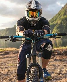 MTB Dating is the dating site for singles with a passion for mountain biking. Shred the mountain bike trails together; Downhill Bike, Mtb Bike, Road Bike, Bmx Bicycle, Hardtail Mountain Bike, Mountain Bike Trails, Mtb Trails, Freeride Mtb, Montain Bike