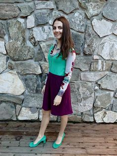 """It good when you can use a delicious sweater to give """"new life""""😆 The sweater had a lot of bumps, but it's amazing how nice it is on the . My Husband, It's Amazing, Green Jacket, Refashion, Midi Skirt, Passion, Sewing, Skirts, Sleeves"""
