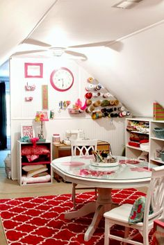 Top This Top That: Craftalicious...Craft Room Reveal