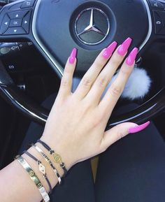 The polish that matches with your lifestyle 💅👠. Toe Nail Color, Nail Colors, Hot Nails, Hair And Nails, Light Colored Nails, Gel Acrylic Nails, Nail Art Brushes, Manicure And Pedicure, Red Manicure