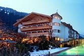 Hundeparadies mitten im Zillertal - Naturidyll Gartenhotel Magdalena Hotels, Mansions, House Styles, Home Decor, Paradise, Vacation, Pet Dogs, Nature, Lawn And Garden