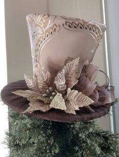 Gold and Brown Tree Topper - Christmas Tree Topper - Top Hat Tree Topper - Tree Topper Bow - Top Hat - Christmas Top Hat Centerpiece -