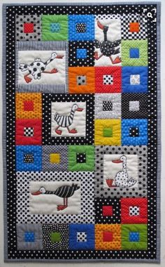 Colchas Patchwork Bebe Baby Quilts Ideas For 2019 Colchas Quilting, Quilting Projects, Quilting Designs, Embroidery Designs, Small Quilt Projects, Applique Designs, Baby Quilts Easy, Baby Girl Quilts, Quilt Baby
