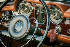 - Mercedes-Benz S-Class - The Hauntingly Beauty.😍 - Beauties I grew up with. Mercedes Benz Germany, Mercedes Benz Coupe, Old Mercedes, Classic Mercedes, Mercedes Interior, Car Interior Design, Daimler Benz, Lux Cars, Benz S Class