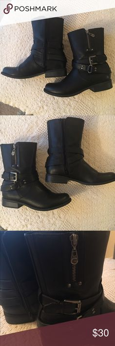 G by Guess combat boots - size 7.5 G by Guess black women's combat boots size 7.5 G by Guess Shoes Combat & Moto Boots