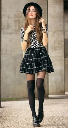 dfa303f5e78b FashionCoolture - look du jour Black and white outfit polka dots top plaid  skirt - Summer Fashion New Trends
