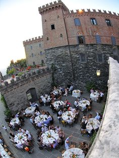 When you think of iconic castle weddings in Italy, you would be forgiven for thinking of Castello di Valenzano. Dating back to the 9th century, today 'Castello di Valenzano' is an elegant historical wedding venue in Tuscany