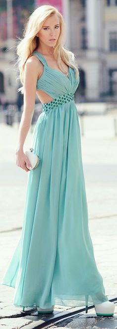 elegant and fresh spring/summer long dress i adore the color! great for all skin types