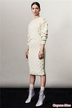 Приветствую всех  Опрос в Стране Мам: Укороченный джемпер с шишечками (от костюма) итальянского дизайнера Франческо Сконьямильо, опрос на он лайн  Будем вязать?