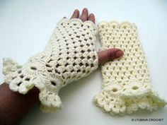 Crochet+Fingerless+Gloves+Ivory+Colour+Crochet+by+crochetlyubava,+$15.00....looove these but wonder if they would fit my hands.