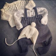 Denne buksa fortjener minst et bilde til #lunstart #sandnesgarn #cardiganmedhulmønster #vibeulriksøndergaard #hjallislue #djevellue #mykstart #knitstagram #knittersofinstagram #babyknits #babystrikk