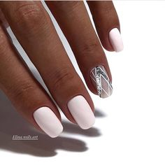 Need some wedding nails inspiration? Here you will find the best nail ideas for your wedding day from simple nail designs to glam. Trendy Nails, Cute Nails, Hair And Nails, My Nails, Pink Nails, Nagellack Trends, Wedding Nails Design, Geometric Nail, Perfect Nails