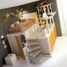 Um projeto de marcenaria bem diferente: cama e office em cima, closet em baixo. Otimização de espaço e uma proposta diferente para quarto de adolescentes e crianças.