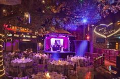Courtyard Room Reception at House of Blues at Mandalay Bay | Ultimate Vegas Wedding Venue Guide: House of Blues and Foundation Room