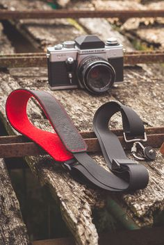 Timeless and functional design makes this Camera Strap a perfect gift for any photographer - your wife, husband, girlfriend, boyfriend, brother or sister :)  >>Custom personalized COLOR of WOOL Felt<<  Personalize your Leather Camera Strap by choosing color of felt: Red, Lime, Turquoise, Yellow, Orange, Magenta, Violet, Olive, Grey, Antrhracite, White and Brown.  >>High quality & Eco-friendly MATERIALS<<  Handmade Leather Camera Strap is made from full grain top quality leather. Dslr Camera Straps, Leather Camera Strap, Leather Crossbody, Handmade Gifts For Men, Handmade Leather, Wool Felt, Eco Friendly, Brown Leather, Boyfriend
