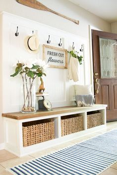 65 Stunning Rustic Farmhouse Entryway Decor and Design Ideas Cool Christmas Trees, Christmas Budget, Christmas Decor, Christmas Recipes, Mudroom, Home Organization, Organizing, Farmhouse Storage And Organization, Farmhouse Decor