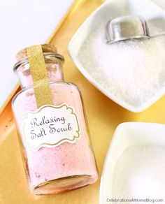 Make these relaxing salt scrub favors for baby or bridal showers, or hostess or birthday gifts. Recipe here...