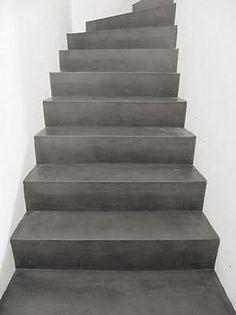 Francis heeft haar trap met pure white en french linen geverfd prachtig - Decoratie interieur trap schilderij ...
