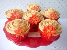 La dulce Magdalena: ¡¡Ha llegado la Navidad a mi blog y viene con Cupcakes de Jijona!!