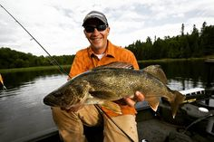 Fishing Sunglasses - Experiment With A Number Of These Great Fishing Tips! Walleye Fishing, Fishing Lures, Fly Fishing, Going Fishing, Fishing Tips, Fishing In Canada, Fishing Umbrella, Fishing Books, Dry Hands