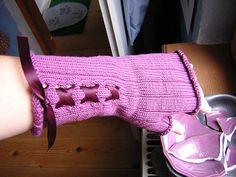 romancing the knithacked raisin gloves.