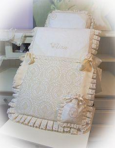 """Saco con brocado en terciopelo color caramelo y encajes de alençon,,personalizado con bordado de nombre  e inicial, modelo """" Los paseos de  Elisa """", http://lacomodadepilar.blogspot.com.es/"""