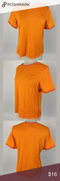 Nike Dri Fit top Length Shoulder To Hem: 23 Bust: 42 Waist: 38 Fabric Content: 100% polyester   Item #53 Nike Tops Tees - Short Sleeve