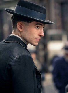Credence Barebone, Fantastic Beasts and Where to Find Them