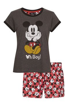 I have a couple of Mickey mouse p'j's! Pyjama Disney, Cute Disney Outfits, Disney Shorts, Disney Pajamas, Cute Outfits, Disney Clothes, Lazy Day Outfits, Outfits For Teens, Boy Outfits