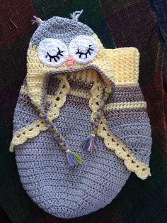 Crochet 3 Botón del búho del bebé capullo y sombrero con el modelo libre