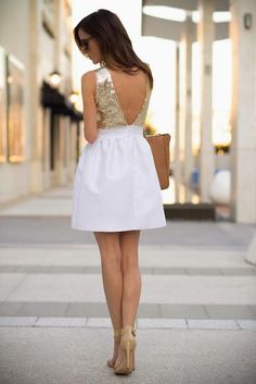 This dress is stunning.