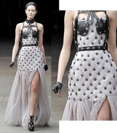An amazing Alexander McQueen dress! I want to invent a character who would wear… Unique Fashion, Cl Fashion, Fashion Details, Runway Fashion, Fashion Show, Fashion Design, Haute Couture Style, Couture Mode, Couture Fashion