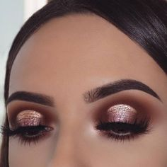 Gorgeous Rose Gold Eye Makeup Ideas To Make You Look Like A Goddess; Makeup Looks; Holiday Makeup Looks; Natural Looks; Fresh Makeup Looks; Halo Eye Makeup, Glam Makeup, Makeup Inspo, Beauty Makeup, Makeup Ideas, Makeup Set, Makeup Blog, Makeup Trends, Makeup Tips