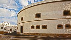 Parte lateral izquierda trasera del Castillo defensivo de Almeida, Santiago de Santa Cruz de Tenerife, Canarias, España.