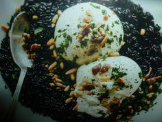 riso venere ricette con burrata - ottimo primo piatto preparato con riso venere e servito con burrata e alici un bontà da provare