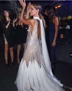 Sábado noche y olé! #novia #wedding #bride #boda #bridal #gown #amazing #weddingday #photooftheday #style #dress #fashion #look…