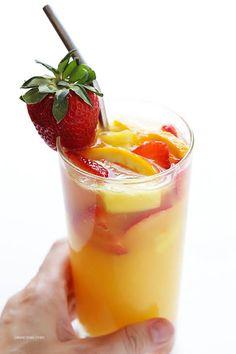 Mimosa Sangria Recipe Beverages, Cocktails with orange juice, cointreau, orange… Summer Drinks, Cocktail Drinks, Fun Drinks, Alcoholic Beverages, Wine Cocktails, Holiday Drinks, Bartender Drinks, Brunch Drinks, Brunch Party