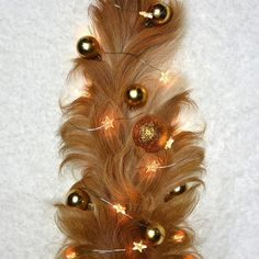 Tail christmas tree .... dog christmas chalange. Luckygoldenretriever2018 Christmas Dog, Insects, Bee, Brooch, Dogs, Jewelry, Brooch Pin, Jewlery, Jewels