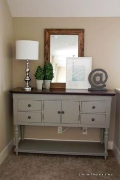 Table painted with Annie Sloan chalk paint in French Linen by marian