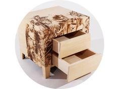 Nábytok často ukrýva tmavý a satirický obsah prostredníctvom odvážnej konfrontácie a aktuálnej pozície a stavu moderného sveta. My Furniture, Made Of Wood, Stool, Woodworking, Decor Ideas, Interiors, Design, Home Decor, Products
