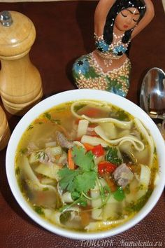 """Однажды, в кафе узбекской кухни, я попробовала этот сытный, вкусный суп. Он мне очень понравился! Теперь, я регулярно готовлю его на обед, так как муж любит густые и сытные супы (второе блюдо я уже не предлагаю), а доченька с удовольствием зовет его """"суп с макаронами"""". В оригинале, отдельно готовится бульон с обжаренным мясом и крупно порезанными овощами, и им заливается отваренная и разложенная по тарелкам лагманная лапша. Но, рецепт я назвала """"Лагман по-нашему"""", а значит готовим быстро и…"""