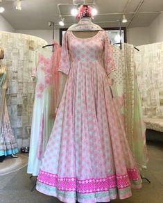 Party Wear Indian Dresses, Indian Gowns Dresses, Dress Indian Style, Indian Fashion Dresses, Indian Designer Outfits, Indian Outfits, Designer Anarkali Dresses, Designer Party Wear Dresses, Kurti Designs Party Wear