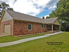 Looking for a home you can grow with in Mountain Home,AR school district? Updated 4 bedroom, 3 bath, 2 levels, 2,600+ sq. ft. brick home w/new roof! Park like 2.89 ac setting, has lawn & tall Oaks. Combo formal din/living room, family room w/wood burning FP, updated eat-in kitchen, all appl. stay incl. wash/dry. Main level 2 bed 2 baths, includes Master bed. Upper is 2 beds & 1 bath. att. 2 car gar., 28x20 shop w/power & concrete floor & 20x14 garden shed. And all this available for only…