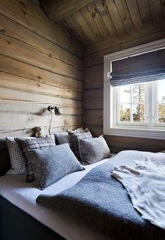 Best Home Decoration Magazine Info: 9037365051 Cozy Cabin, Cozy House, Sauna Design, Mountain Cottage, Interior Architecture, Interior Design, Loft Spaces, Log Homes, Dream Bedroom